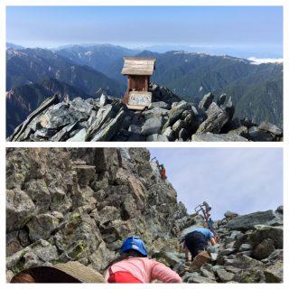 【最後は難所】槍ヶ岳山荘に着いてダメそうならビールでも飲みながら登り続ける人々を眺めて楽しみましょう。