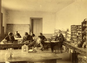Photograph of Beal with botany students in the laboratory 1880-1890. Image courtesy of MSU Archives & Historical Collections