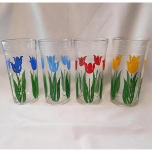 Swanky Swigs tumblers produced by Kraft. Image source