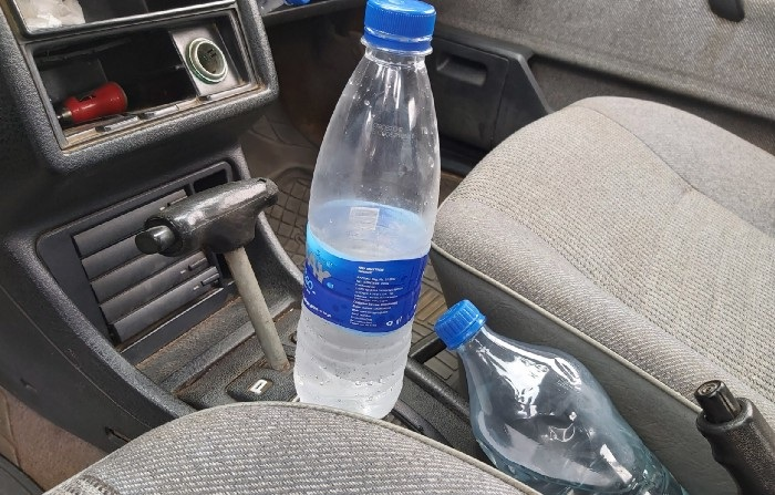 Leaving Bottled Water Inside your Car Can Start A Fire