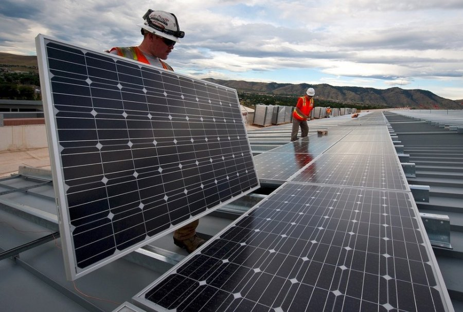 ​Corporate renewable energy deals: big in America, coming to Canada