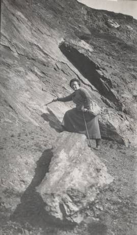 Dr Gertrude Elles (1872-1960), pioneer woman geologist, photographed on a Sedgwick Club field trip to Church Stretton, Shropshire in 1921 (Sedgwick Museum archives SGWK2/2/17)