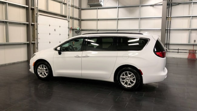 2017 chrysler pacifica lx cruise stow n go roof rack minivan