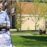 Cựu chiến binh 99 tuổi đi bộ 100 cây số trước sinh nhật 100 để gây quỹ nghiên cứu COVID-19