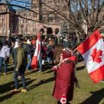 Cảnh sát bắt 10 người dự biểu tình chống phong tỏa COVID-19 ở downtown Toronto