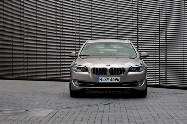 BMW shows intersection anti-crash system