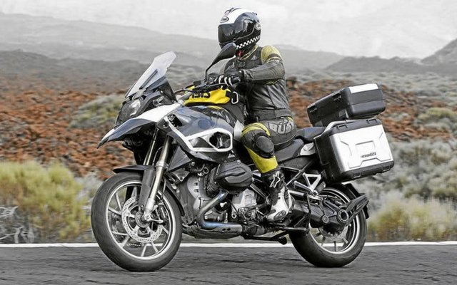 Liquid-cooled R1250GS spotted?