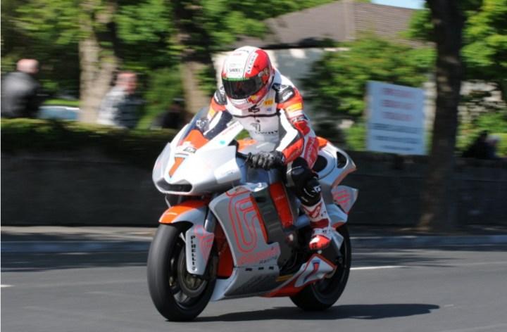 MotoCzysz wins Isle of Man TT Zero