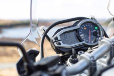 The gauges offer the usual options, but ride mode options are missing.