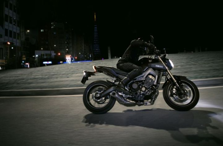 Yamaha FZ-09 video, pricing