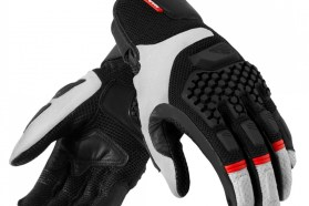 The Sand Pro gloves are a mixture of mesh and goatskin leather. The knuckles have a rubber slider.