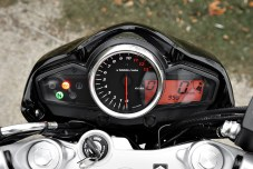 The gauges are simple and provide all the necessary information. There's even a gear indicator.