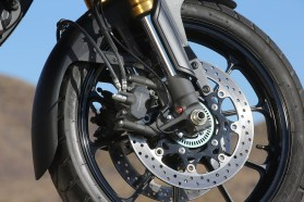 dl1000_static_front_wheel