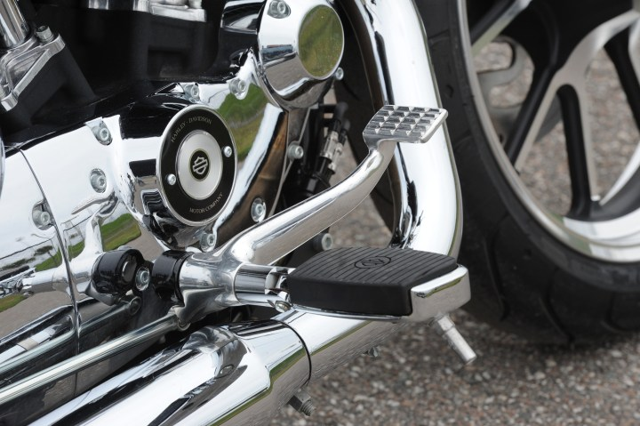 Forward controls: Who needs 'em? Sportster owners, apparently ...