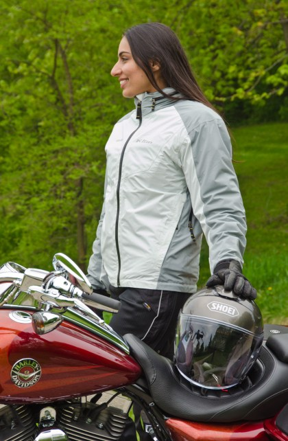 The Stow Away fits nicely over Fatima's Olympia Airglide jacket. Note the glove-friendly zips.