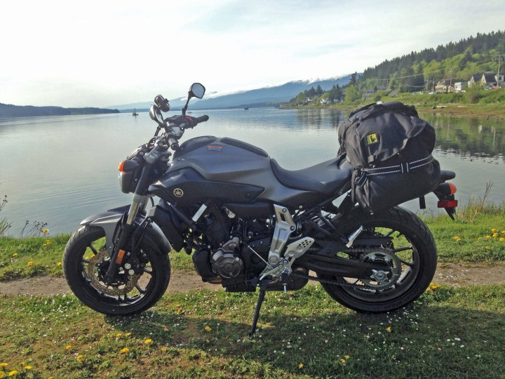 The Boulder Beta fit the FZ-07 well.