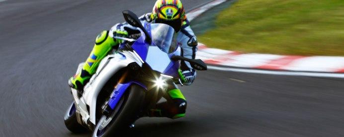 2015 Yamaha R1 12
