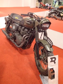 The other popular bike to customize is Triumph's Bonneville. Here is WW2 mode.