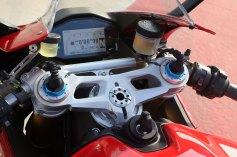 15-Ducati-1299Panigale_clocks2