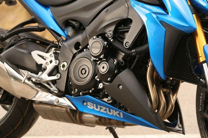 15_Suzuki_GSXS1000_close_RHS