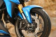 15_Suzuki_GSXS1000_front-wheel
