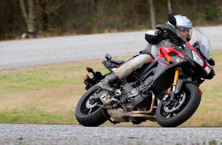 Yamaha FJ-09 – first ride on triple tourer