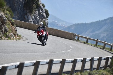 15-MVagusta-TourismoVeloce-costa-front2