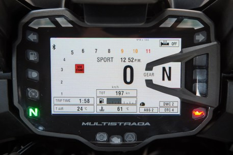 15_Ducati_Multistrada_dash