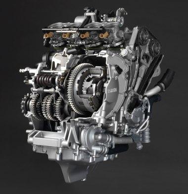 15_Yamaha_R1-engine-cutaway2