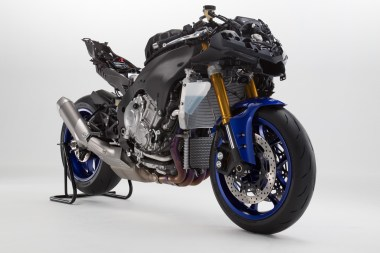 15_Yamaha_R1-naked