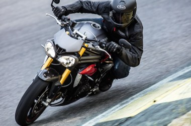 2016 Triumph Speed Triple R 2