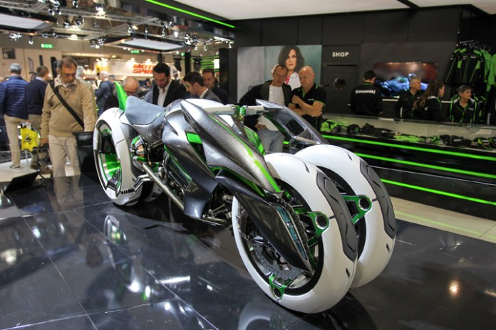 What the ...? EICMA is the only place worthy of unleashing untried concepts, like this Kawasaki quadricycle.