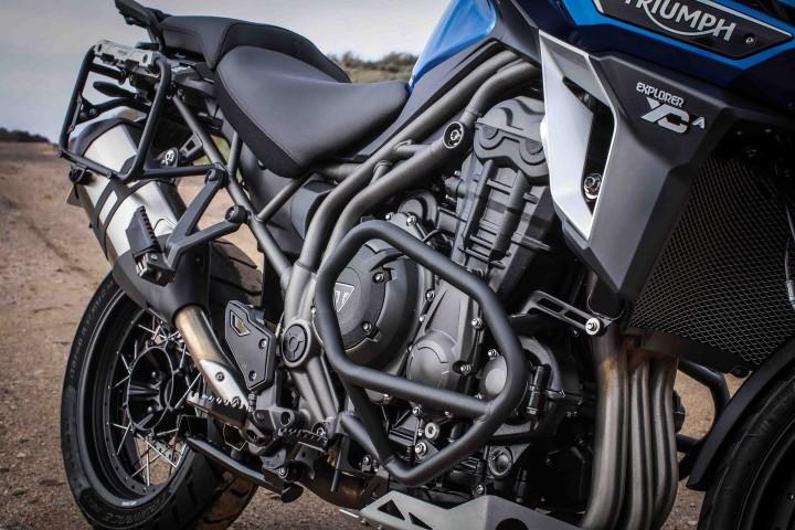 16_Triumph_ExplorerXCa_engine2