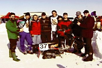 The crew of the insane quest to run the Numb Bum endurance race (on ice!), way back in 1998.