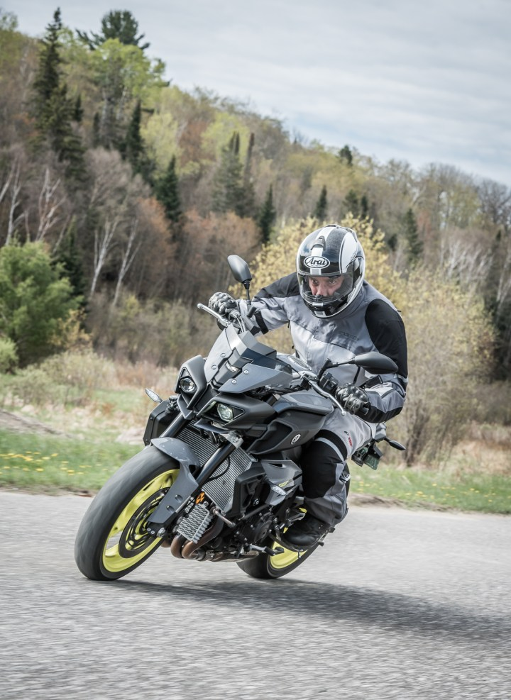 Naked fun on the Yamaha FZ-10   Canada Moto Guide