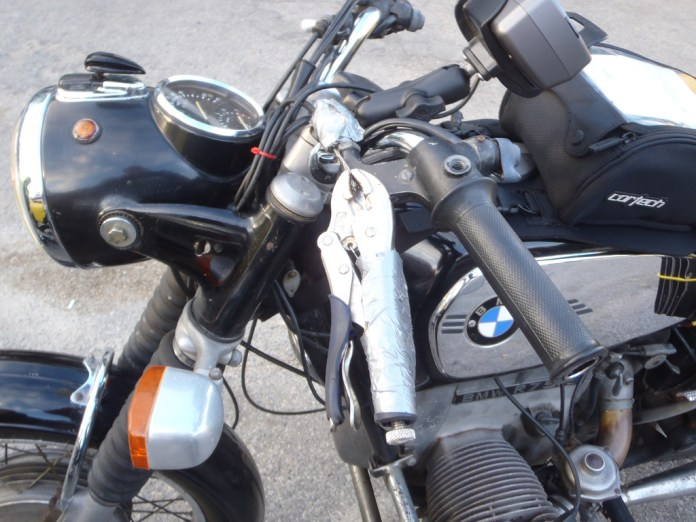 That new BMW aftermarket clutch lever, not so easy to install, but hipsters everywhere love the Vice Grip look.