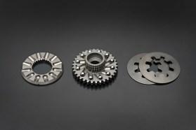 Suzuki2399_GSX-R1000_AL7_variable_valve_timing_system-lpr