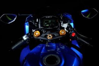 Suzuki2433_GSX-R1000_A_RL7_Action_4-lpr