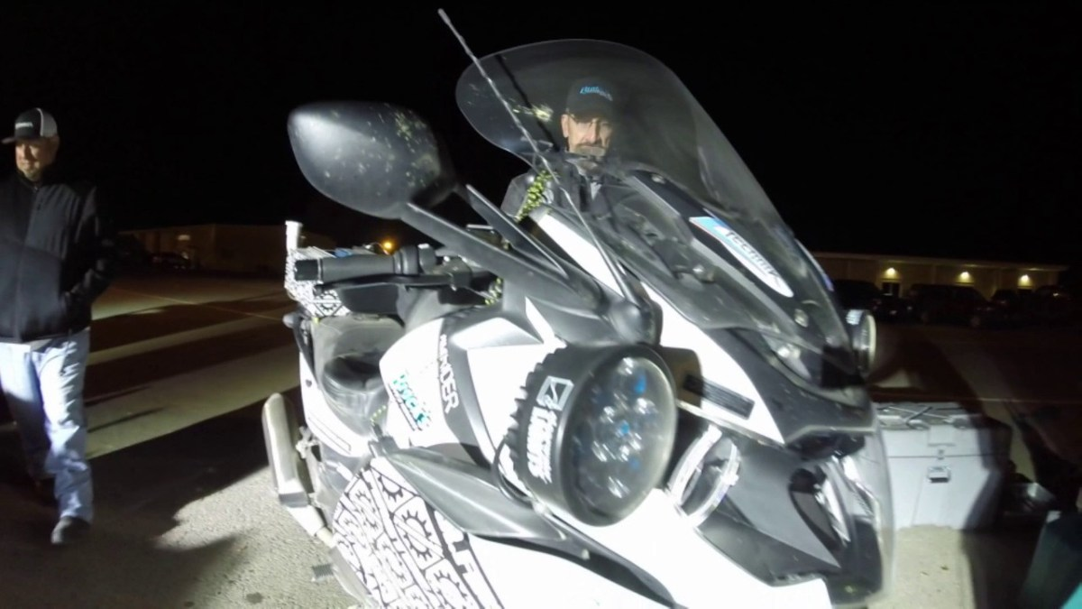 Carl Reese breaks 24-hr motorcycle distance record