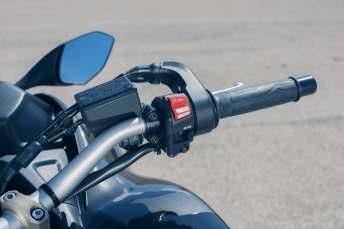 2018 Yamaha Niken leaning three wheeler (32)