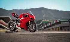 2018 Ducati Panigale V4 01