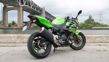 "2016 Kawasaki Ninja 300 – ""It's a 300"" | Canada Moto Guide"