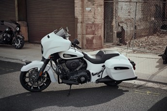 2019 Indian Chieftain Dark Horse (2)