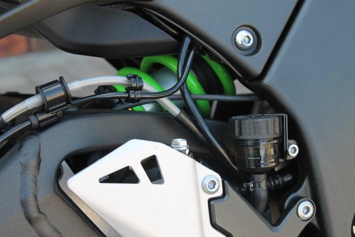Test ride: 2018 Kawasaki ZX-10R SE | Canada Moto Guide