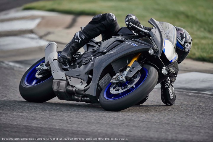 Slippery New Yamaha R1 Breaks Cover Canada Moto Guide