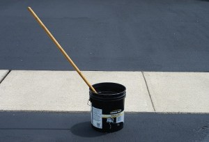 How to DIY asphalt driveway sealing: Costs and process