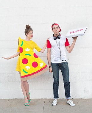 pizza-delivery-guy-diy-halloween-costume