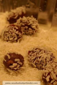 Roll coconut balls in coconut