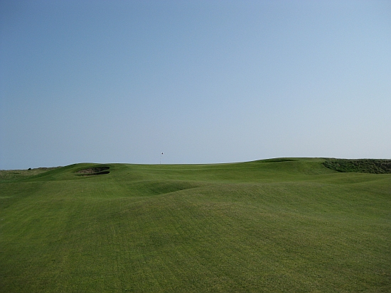 The skyline green at the 10th