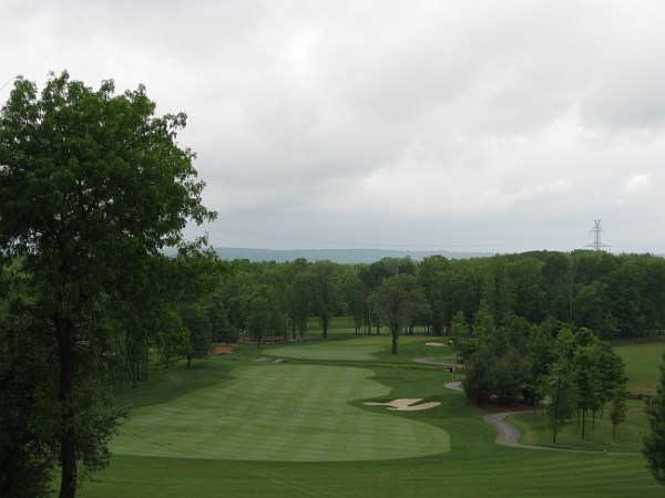 Black Bear Ridge's opener has a lot of the character to be found on the course's other holes.